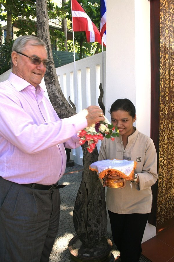 Prince Henrik welcomed to ML Tri Devakul home by Khun Patcharee Villa Royale staff