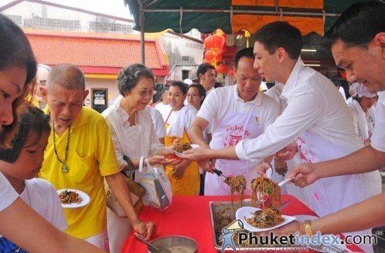 Central Festival Phuket shows support for 2012 Phuket Vegetarian Festival