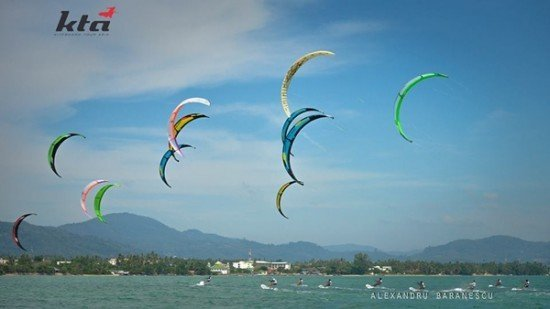Phuket's Kite Tour Asia Christmas Race Special