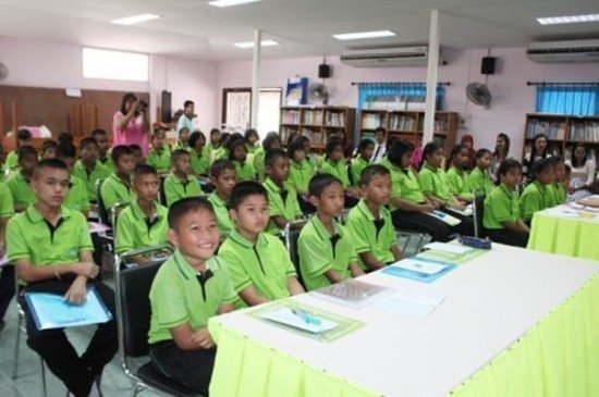 Phuket students receive Waste Management & Energy Recycling training
