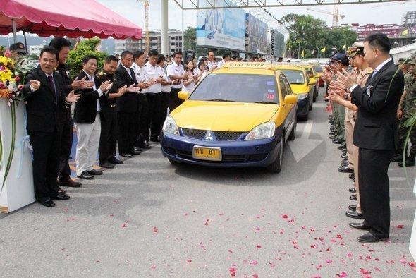 Revamp of Phuket Airport taxis begins