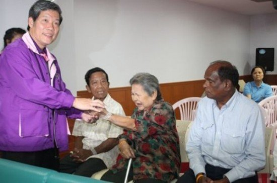 Phuket hospital offers free operations for trigger finger sufferers