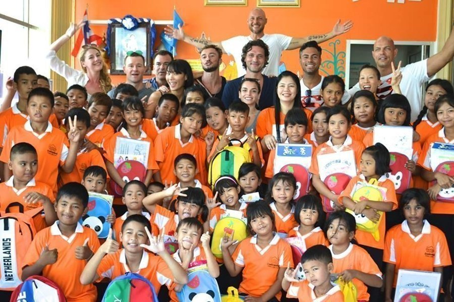 Young Professionals bring smiles to Happy Home Phuket