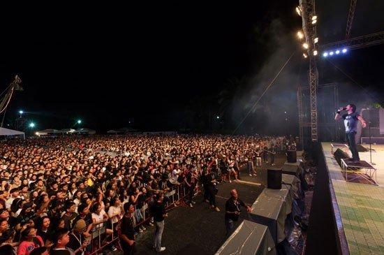 "Five Thousand Fans Flocked ""Laguna Phuket presents Bodyslam Charity Concert 2015"""