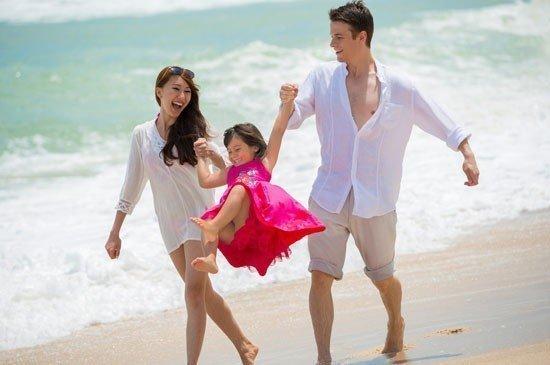 """Angsana Laguna Phuket honoured as winner for """"Thailand's Leading Family Resort"""" at The 2015 World Travel Awards"""