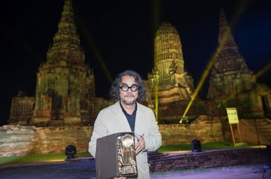 Thai architect Duangrit Bunnag has won the acclaimed Asia's Best Building of the Year prize at the Arcasia Awards for his design of The Naka Phuket resort.