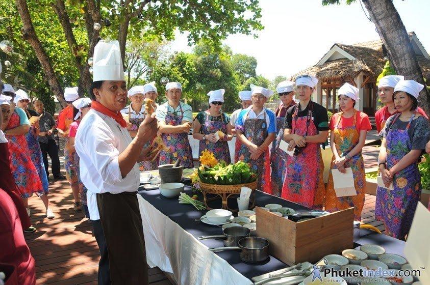Phuket's Kan Eang@Pier hosts ExxonMobil Team Building Excercise