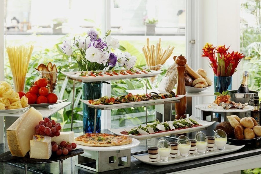 Themed Buffet Dinners at Dusit Thani Phuket
