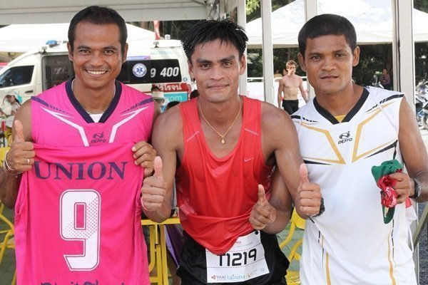 Dusit Thani Phuket relay team win at Tri-fest