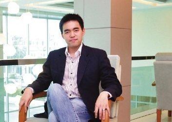 "Phuket Local Developer ""Maetapong (Oun) Upatising"""