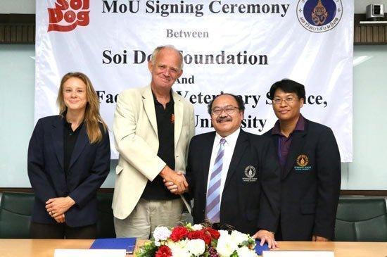 Soi Dog Foundation signs MOU with Mahidol University