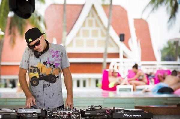 Couples Mix it Up this Valentine's at Angsana Laguna Phuket