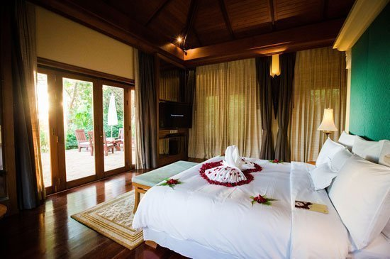 JW Marriott Phuke Wins the 2016 BRIDES Best Honeymoons Award
