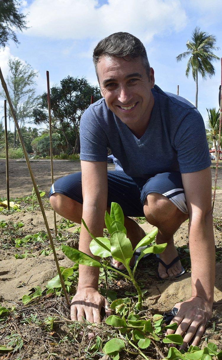 JW Marriott Phuket Resort & Spa Celebrates 85th birthday anniversary of Her Majesty Queen Sirikit By Planting 1,700 Beach Cabbage Seedlings