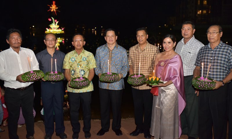 Thousands Celebrated 17th Annual Cherngtalay Loy Krathong Festival