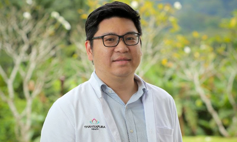 Dr. Phonlawat Prechaborisutkul joined the medical specialist team at Thanyapura