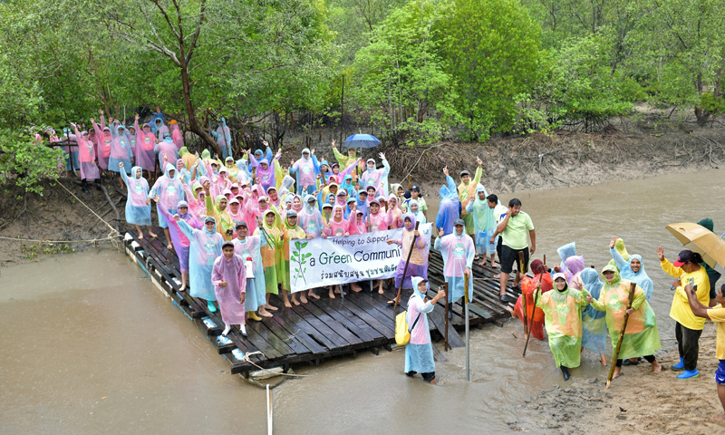 Greener in the Rain: Laguna Phuket Resort Plants 2,500 Trees in a Day