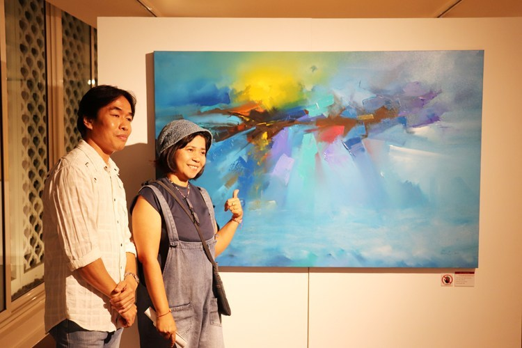 Art @Chaofah introducing First Gallery Exhibition at Ramada Plaza Hotel – CONTRASTS