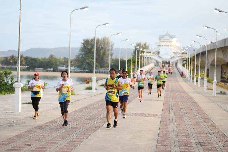 The 15th Mai Khao Marine Turtle Fun Run and Half Marathon 2019 attracts more than 4,000 runners
