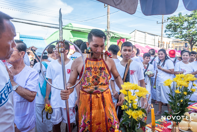 As part of the celebrations for the annual Phuket Vegetarian Festival, Novotel Phuket Phokeethra and ibis Styles Phuket City prepared a table of offerings