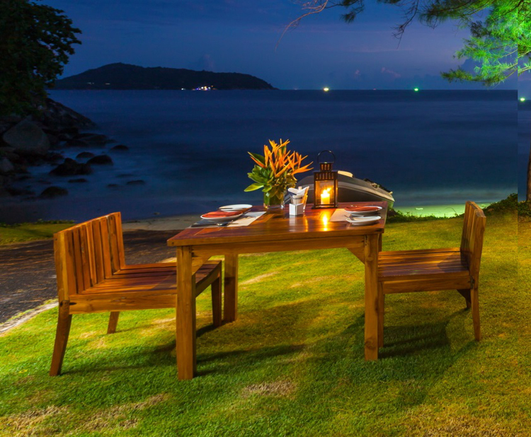 Treat youself to a magnificent andaman sea view and charcoal grilled seafood on the beach.