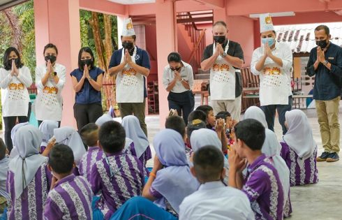 """Marriott says """"Thank you"""" in Southern Thailand with miles of smiles cookie-baking CSR Campaign"""
